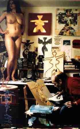 Al Hansen in studio con una modella (foto Hans Hermann)